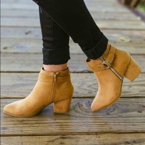 Shoes - NWT Tan Ankle Bootie